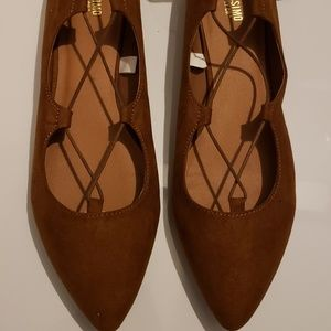 Mossimo pointed ballerina laced suede flats